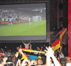 Fussball WM auf Großbildschirm